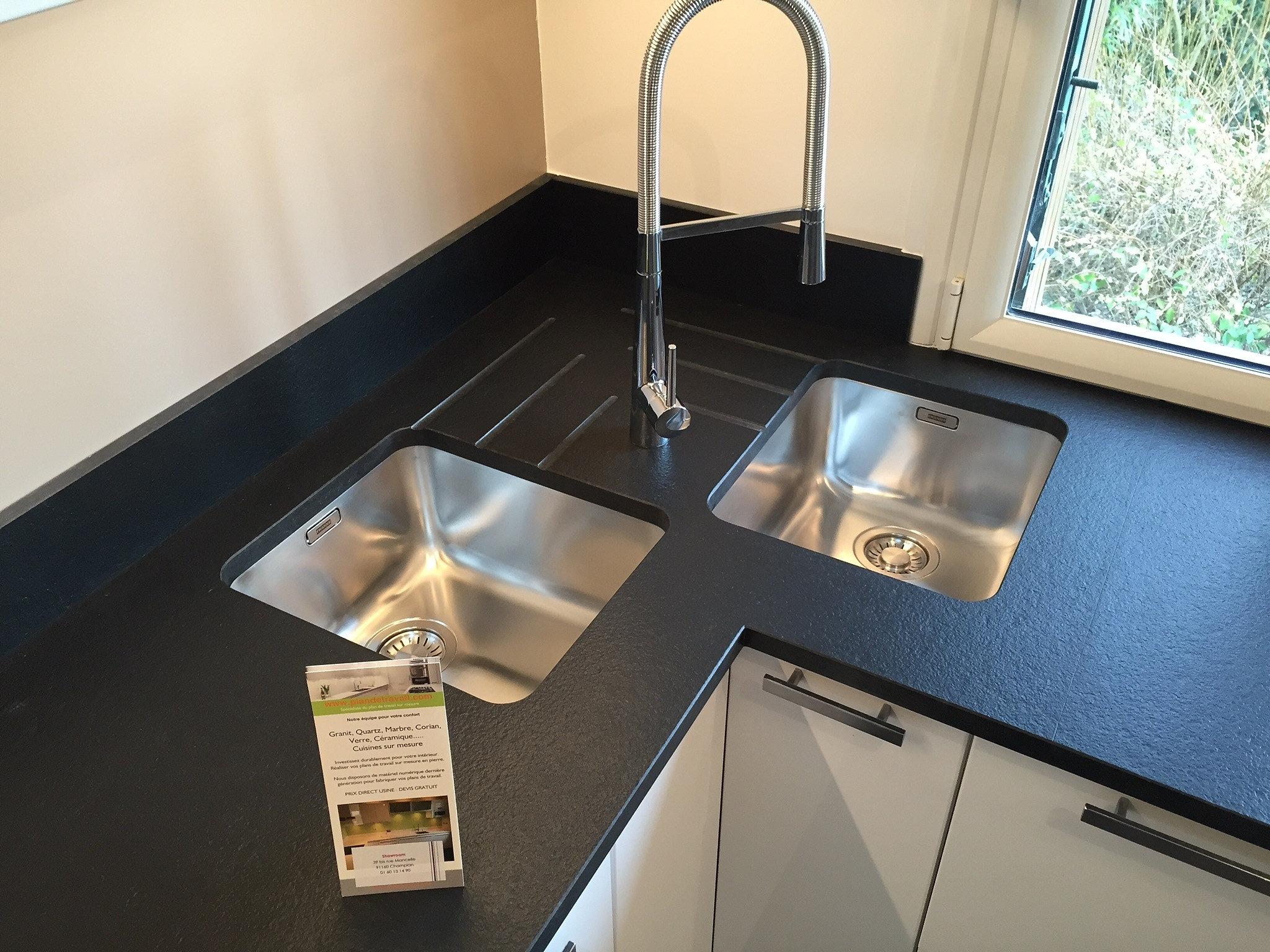 plan de travail granit quartz table en mabre paris essonne plans de travail pierre. Black Bedroom Furniture Sets. Home Design Ideas