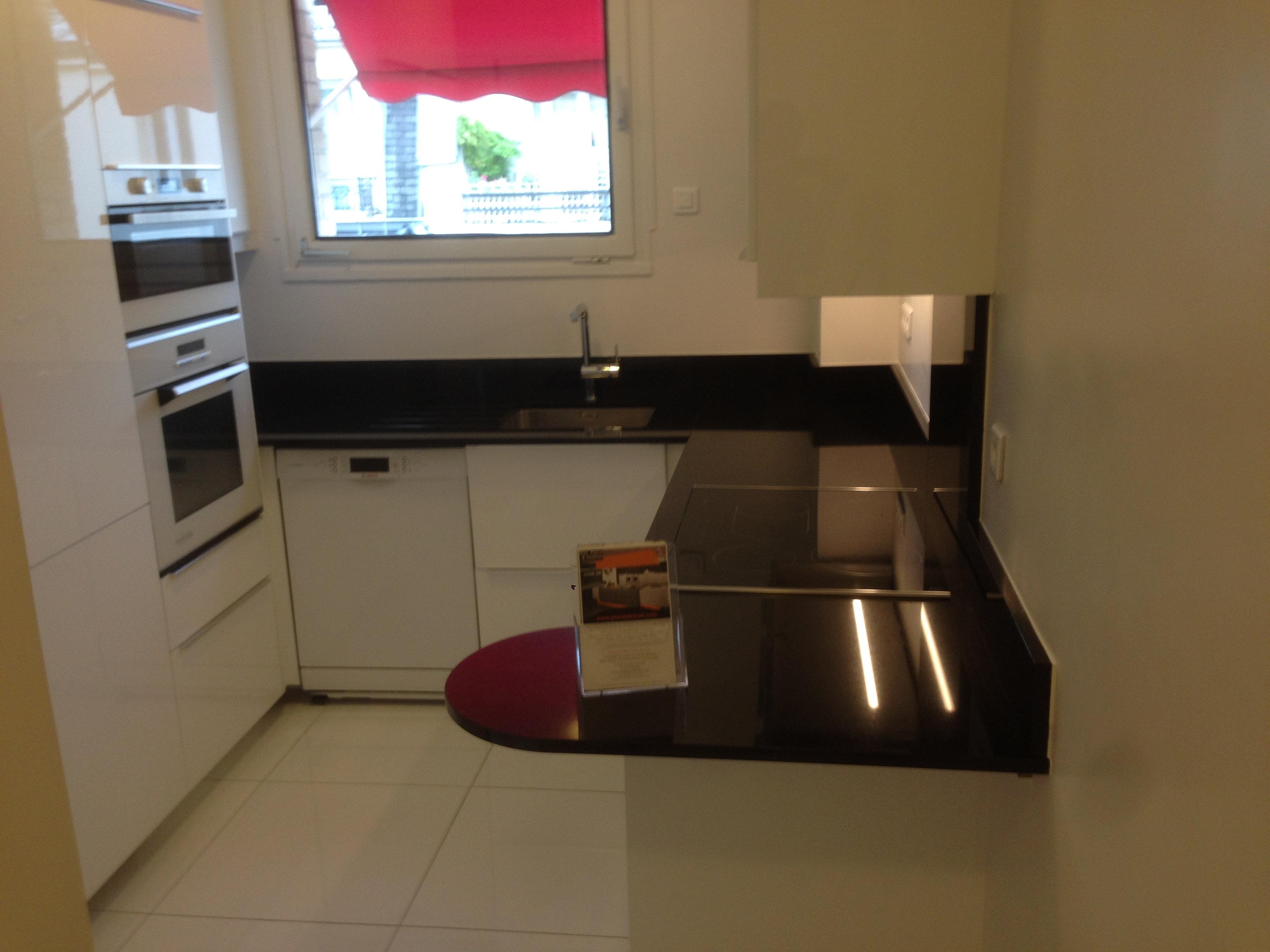 Plan de travail granit quartz table en mabre paris for Plan cuisine sur mesure