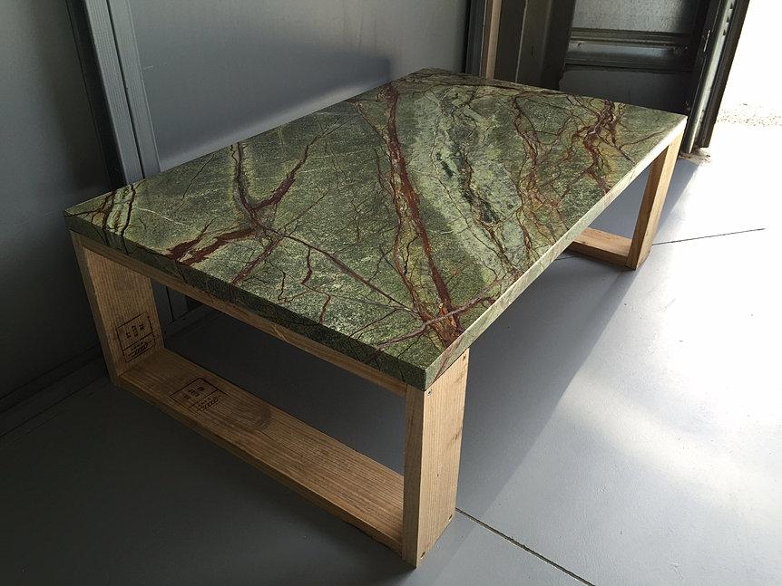 Plan de travail cuisine pierre granit paris marbre corian for Nettoyer table en marbre