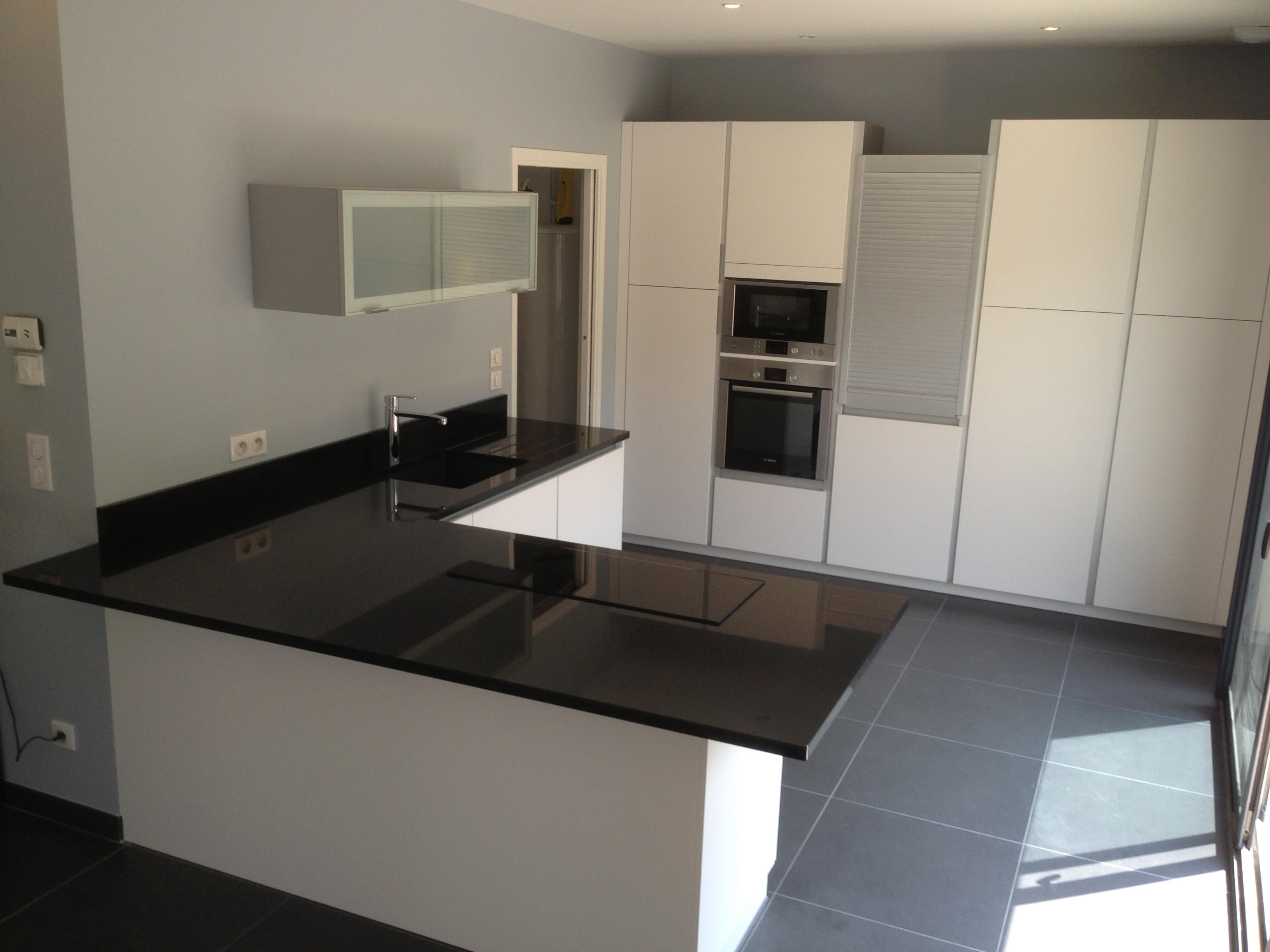 plan de travail granit quartz table en mabre paris essonne plan de travail en granit. Black Bedroom Furniture Sets. Home Design Ideas