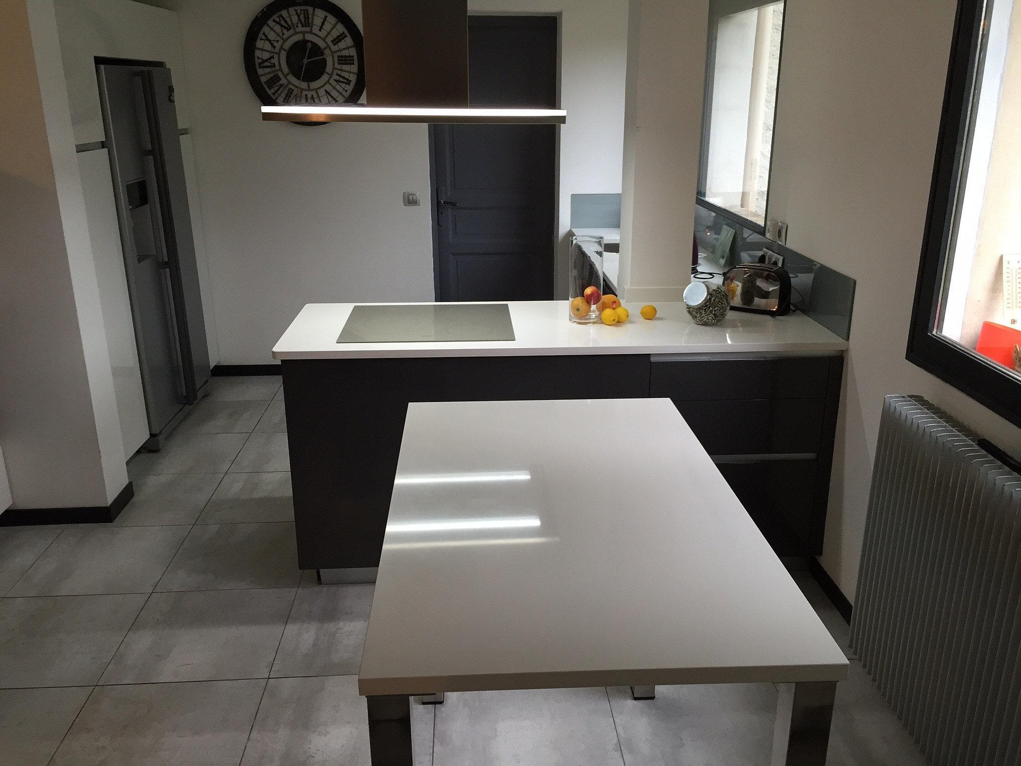 Plan de travail granit quartz table en mabre paris for Plan table de cuisine