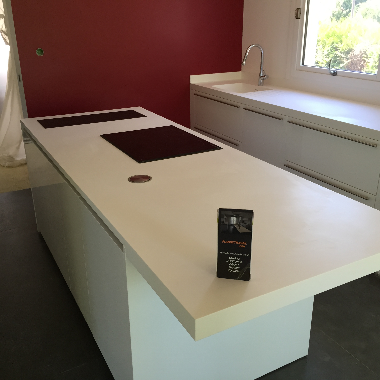 Plan de travail granit quartz table en mabre paris essonne cuisin - Plan de travail en corian ...