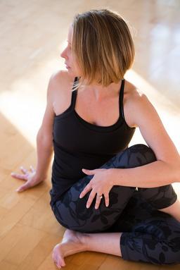 adjusting yoga twists