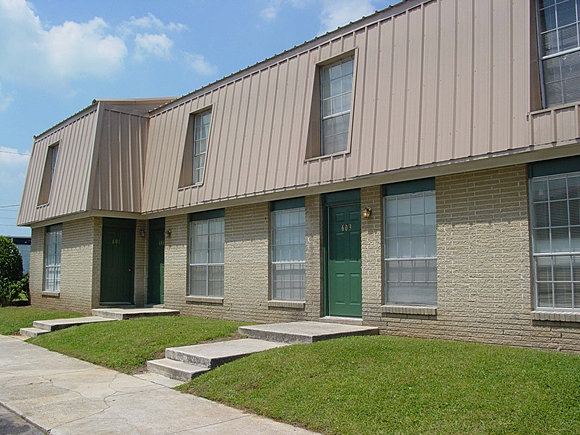 Raintree village apartment homes decatur alabama for Home builders decatur al