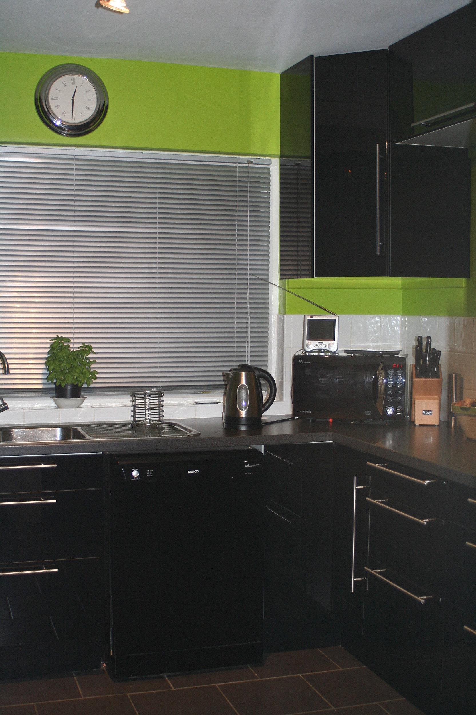 Kitchen Design And Fitting Handywoman Brighton Female Tiler Brighton Handyman Brighton