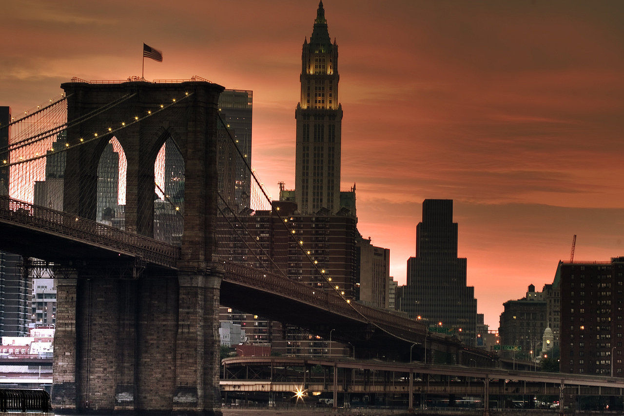 BrooklynBridgeSunsetHDRSML.jpg