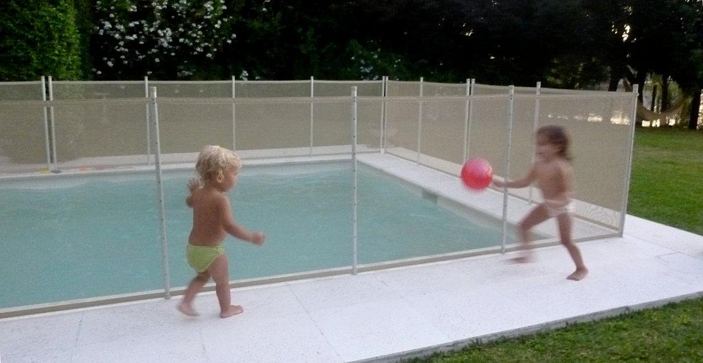 Babysafe cercos para pileta seguridad de ni os for Proteccion de piscinas