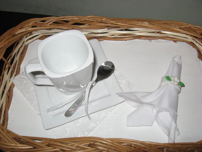 bandejas pintadas con taza lisa 2.jpg