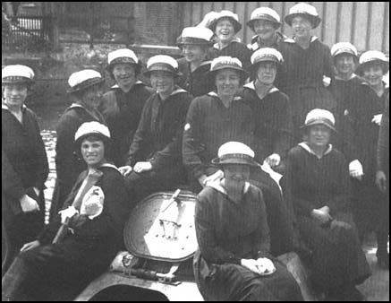 womens lives during world war one essay World war one was a period in which all countries involved felt a strain on the economy and problems as to what was going to happen when its men went.