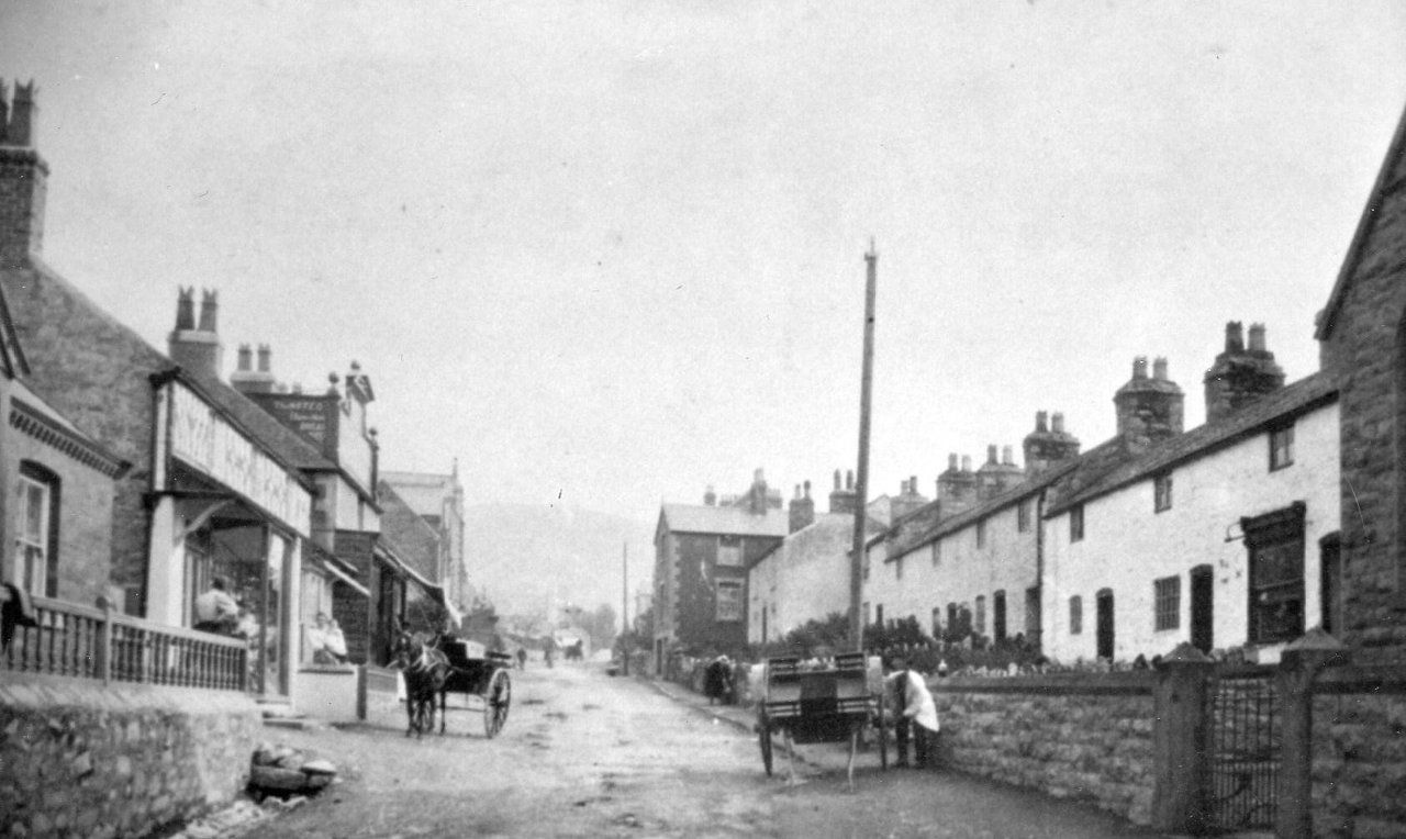 Middle Of High Street - 1890