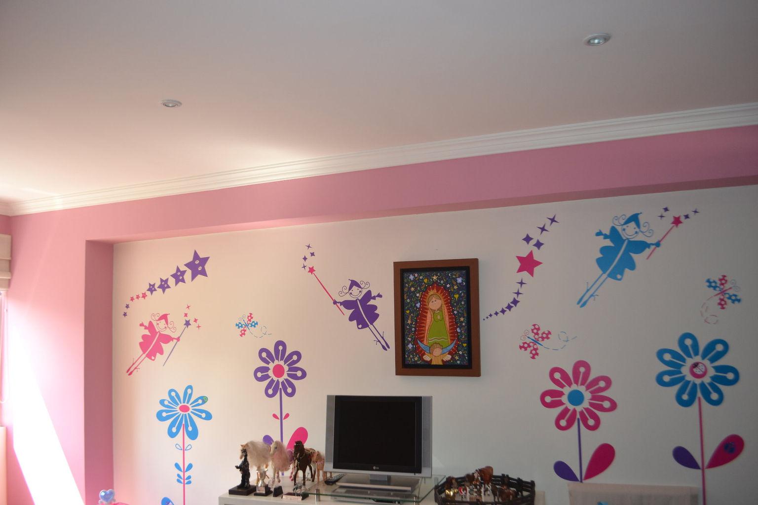 Acabados en vinilo a techos, instalación de moldura en yeso y acabados a muros en diseño infantil