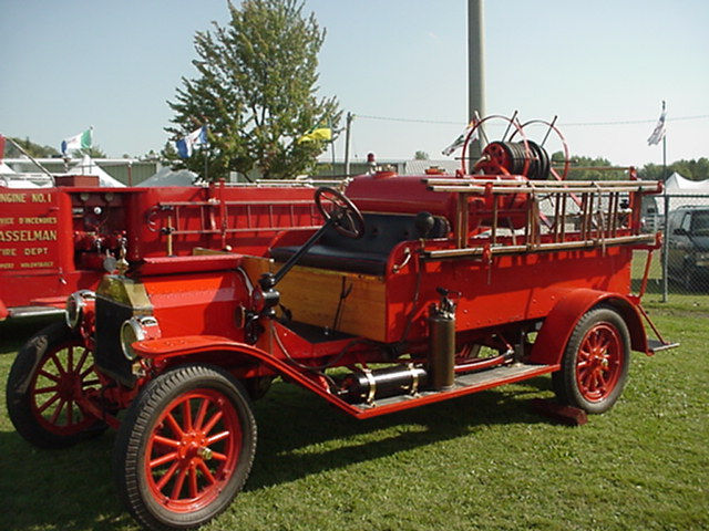 1913 Ford Pump