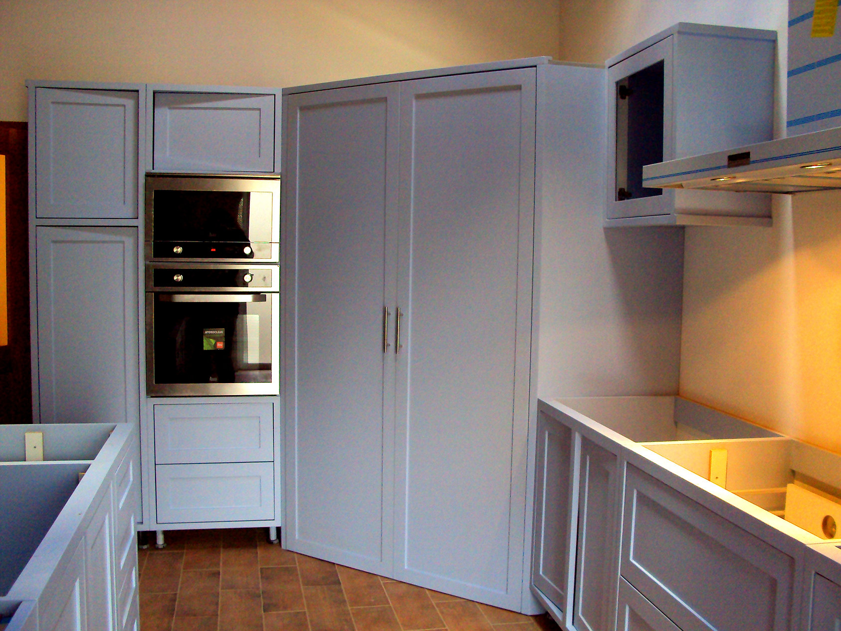 M³veis Selina Specialising in bespoke kitchens and furniture