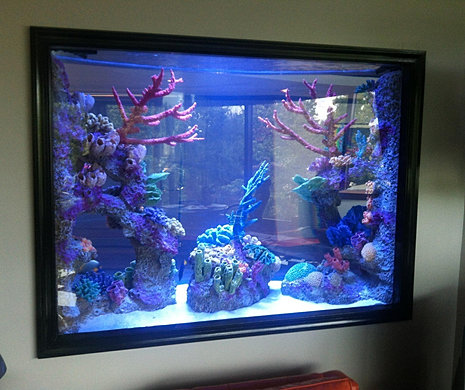 Fish tank decorations bubbling diver aquarium for Artificial coral reef aquarium decoration inserts