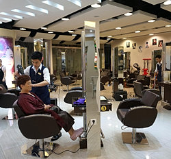 buy copy handbags on a shopping tour to shenzhen and then get your hair done!