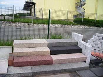 Harmonie de kronimus europavage68 for Escalier exterieur granit
