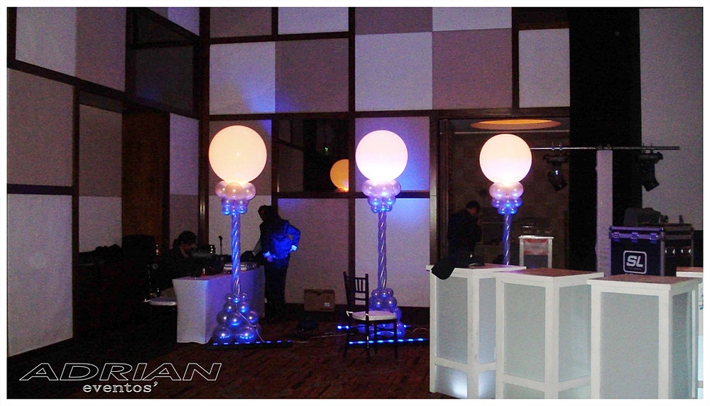Centros de mesa de globos for Globos decoracion fiestas