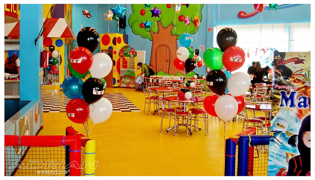 Centros de mesa de globos for Decoracion salon infantil