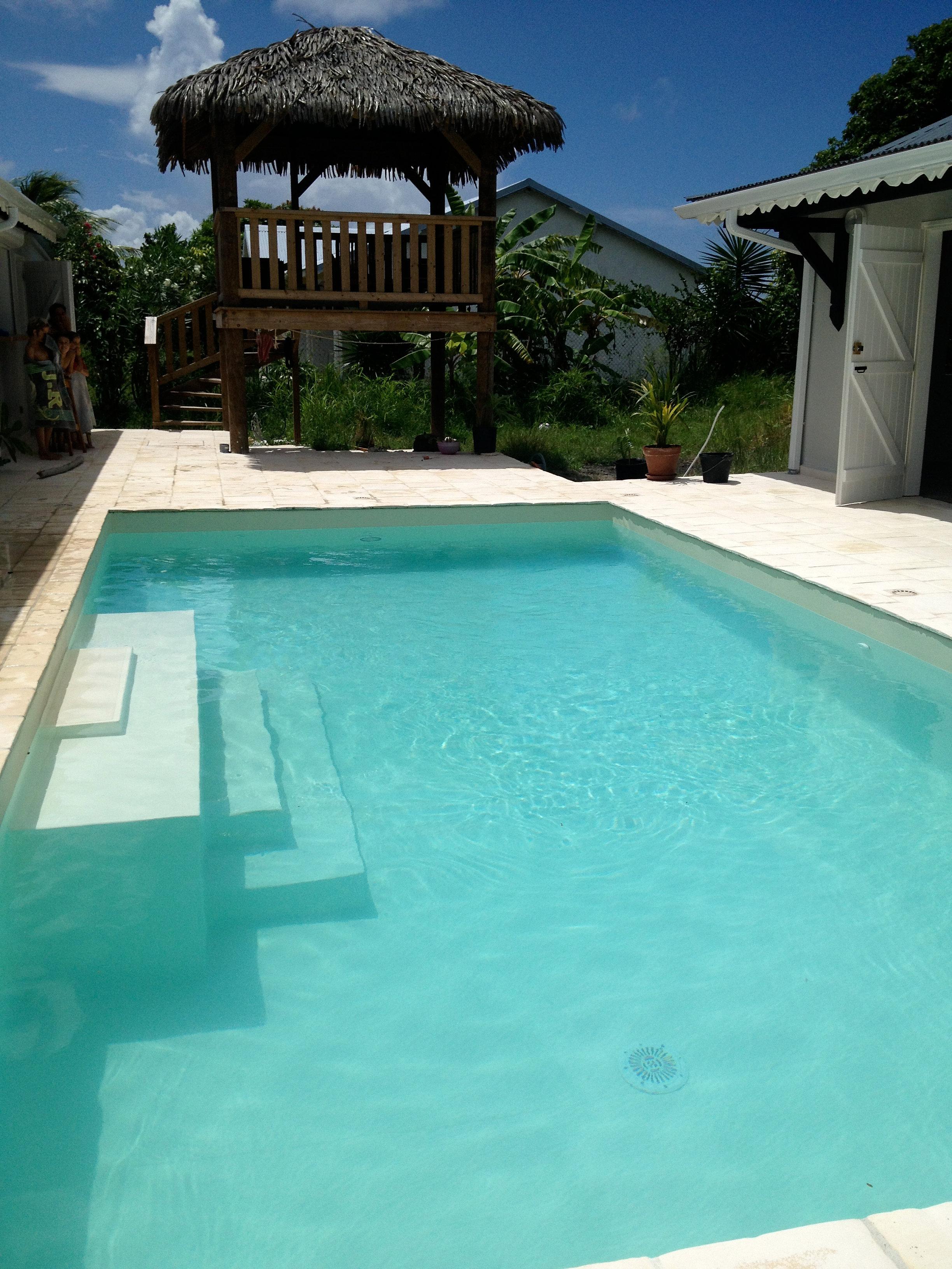 Piscine marie galante construction entretien piscine pvc for Piscine 3 05 x 1 22