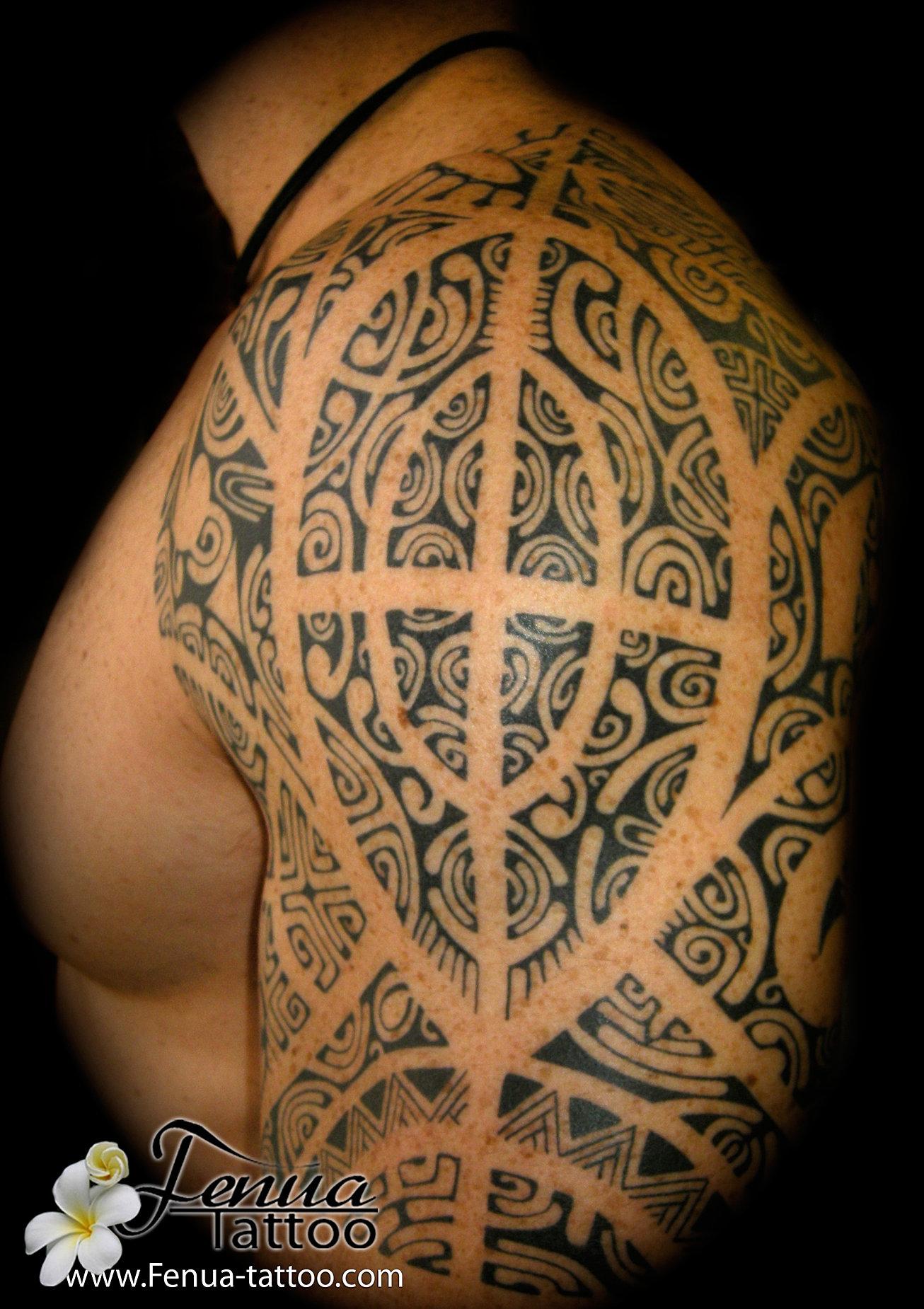 Tatouage polynesien by pierre martinez de tahiti tattoo sanary mer picasa polynesien et - Tatouage epaule bras ...