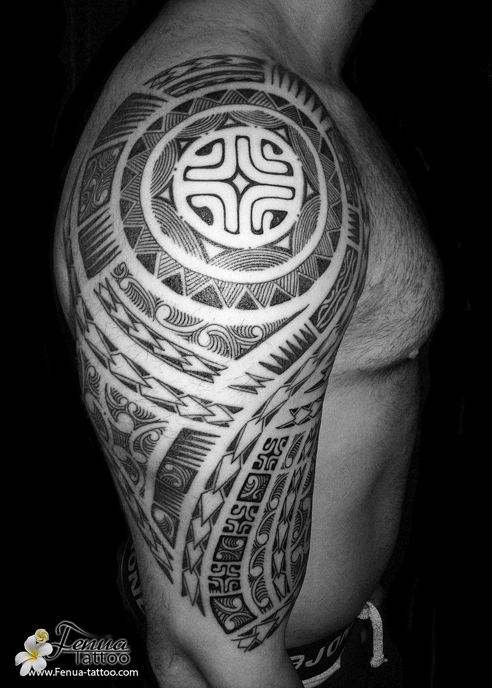 tatouage polynesien by pierre martinez de tahiti tattoo sanary mer tatouage polynesien maorie. Black Bedroom Furniture Sets. Home Design Ideas
