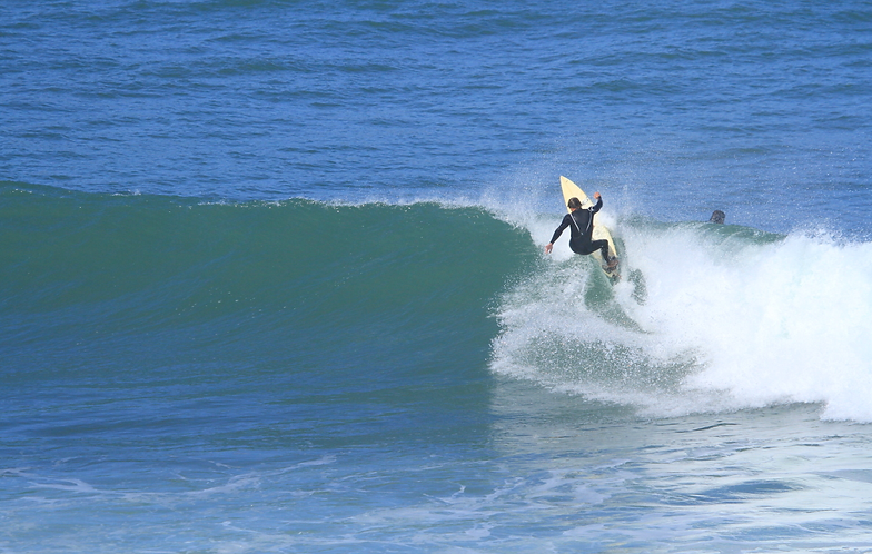 Занятия серфингом в португалии