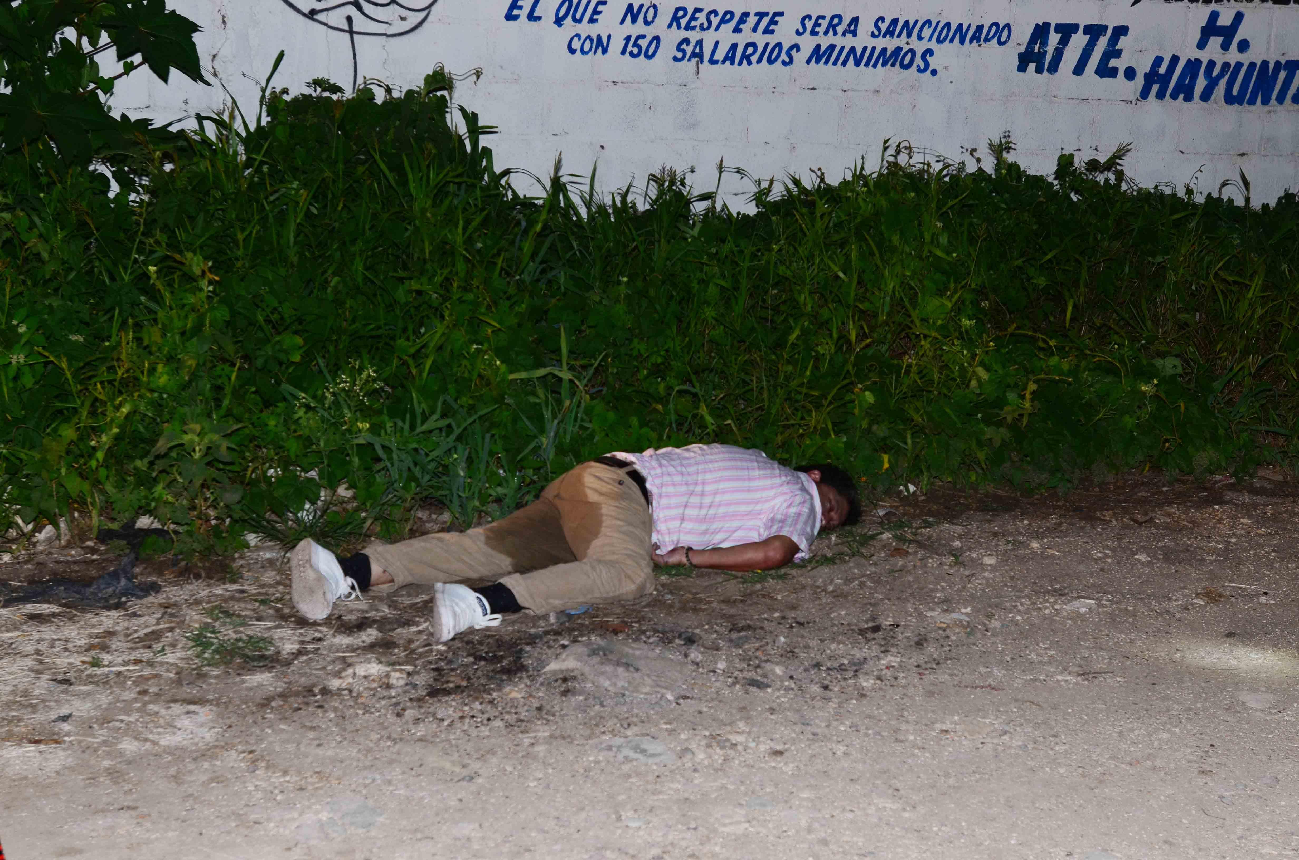 Tiran cuerpo a un costado del callej n del cbtis 144 for 777 jardines del pedregal