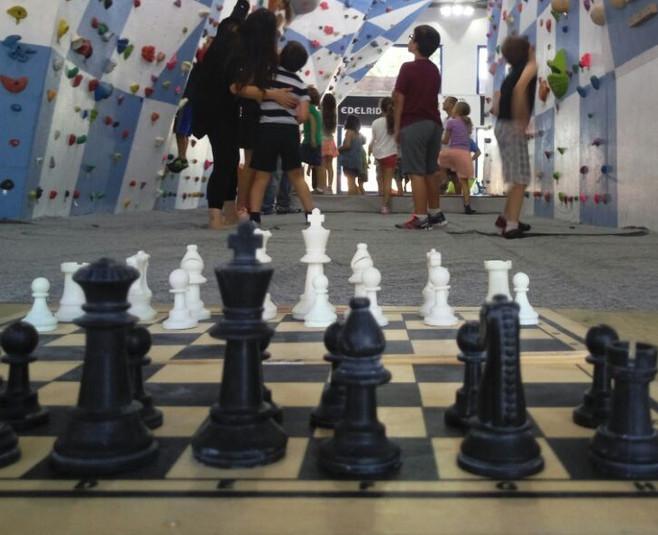 יום הולדת 3 לשחמטיפוס