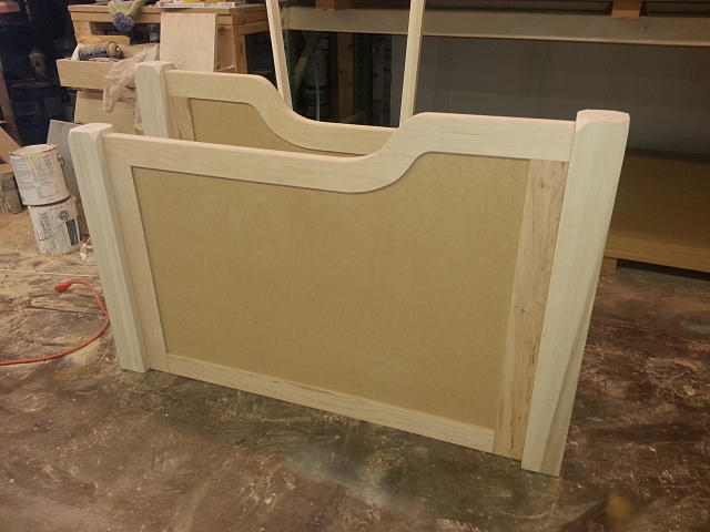 Side panel to daybed