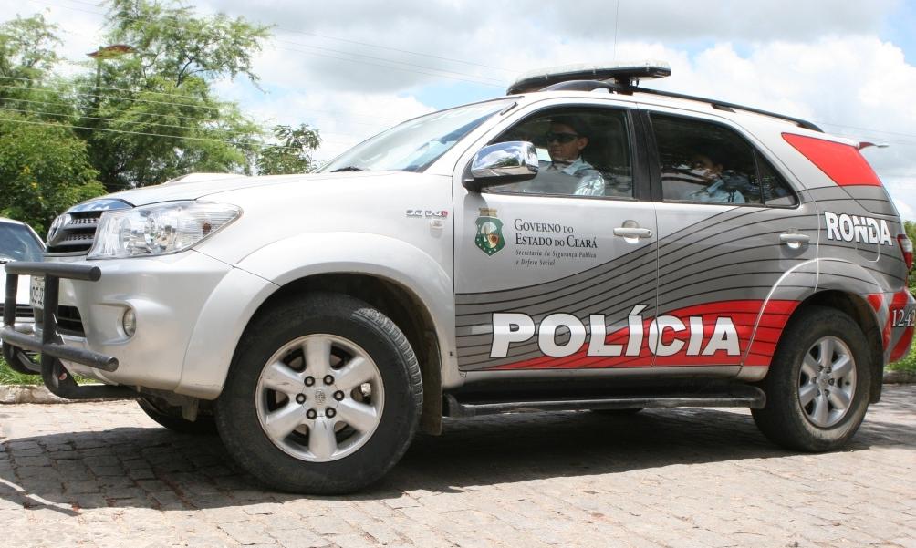 Merenda escolar e dois botijões de gás são furtados da Escola de Ensino Fundamental Amaro Bezerra, na zona rural de Acopiara-CE