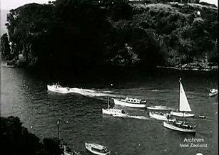 Boats leaving Sou East Bay