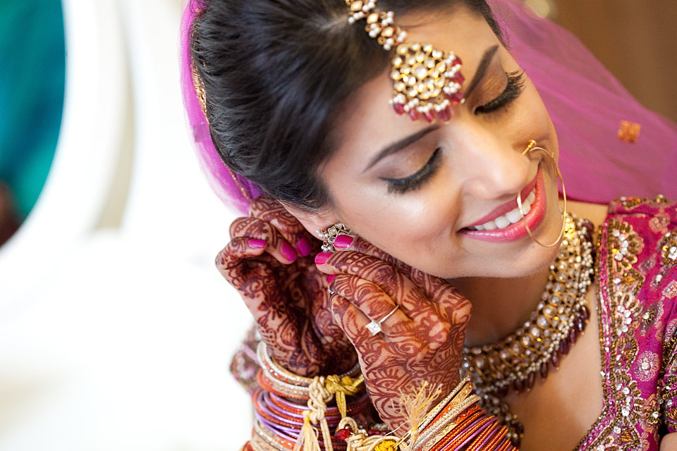 Hairstyles For Mehndi Party : On location chicagoand new york wedding hair makeup and spa
