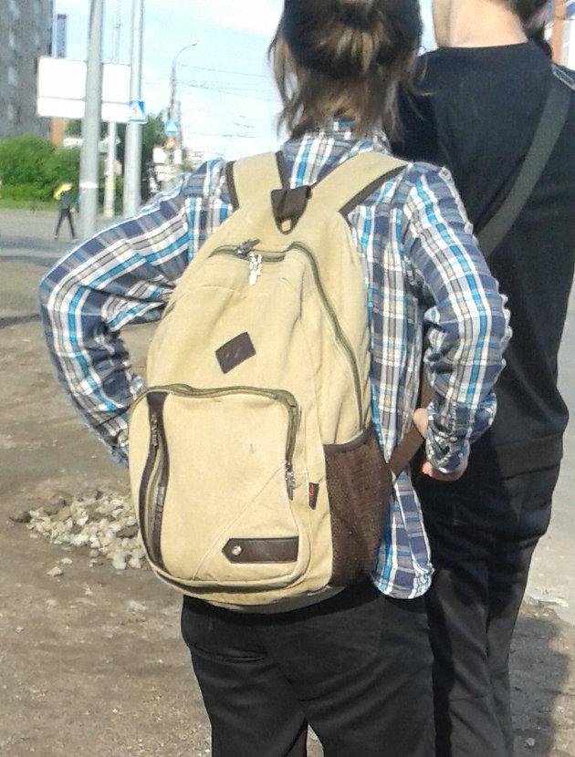 2f21fff1ea9d Сшить рюкзак своими руками не очень сложно. Хотя, конечно, нужны  минимальные навыки шитья на швейной машинке. Совсем неподготовленный  человек, вряд ли ...