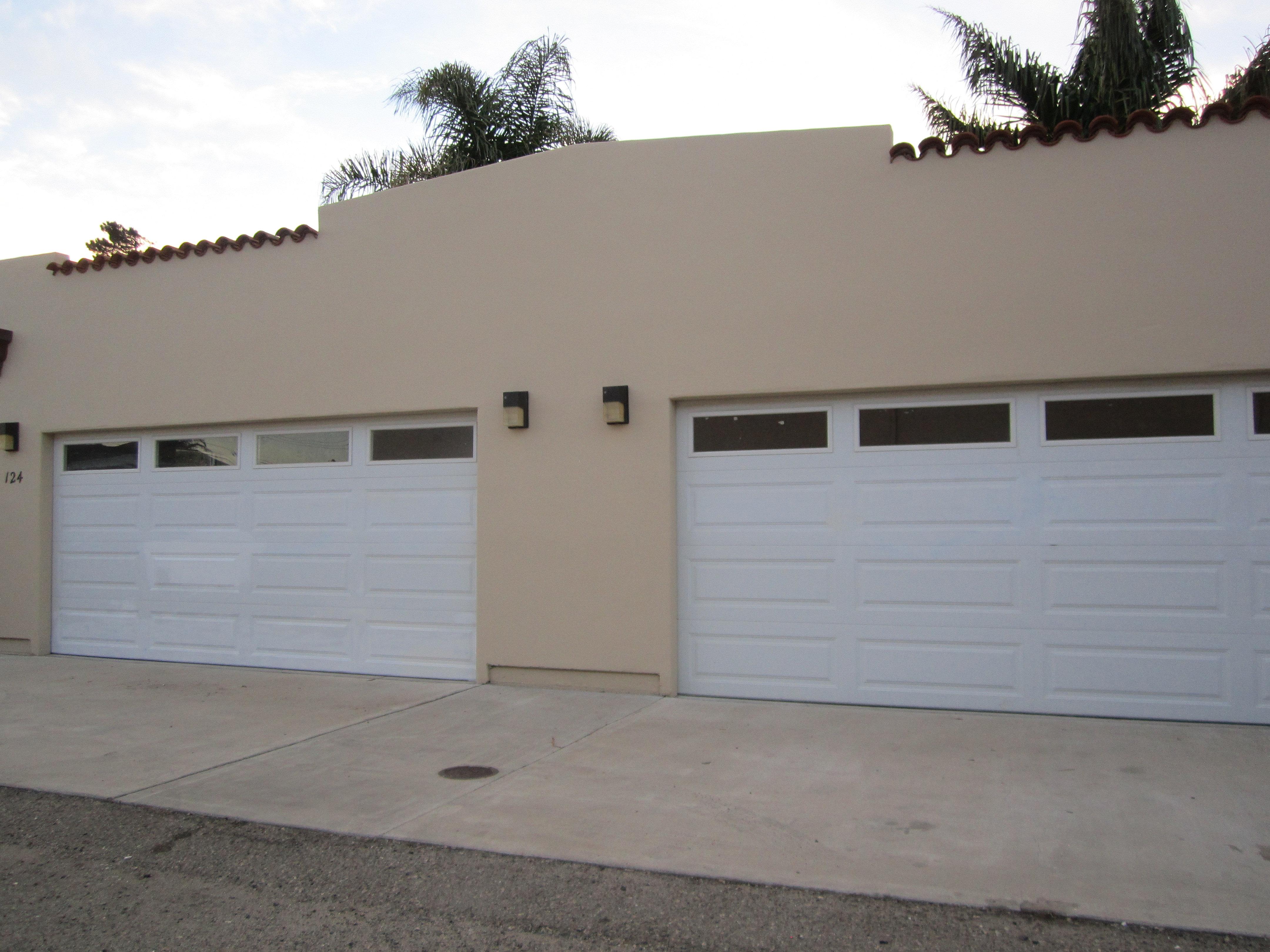 805 property management justin cochrane 2 car garage for Garage per 2 auto