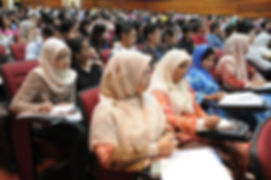 lecture-385357_1920.jpg
