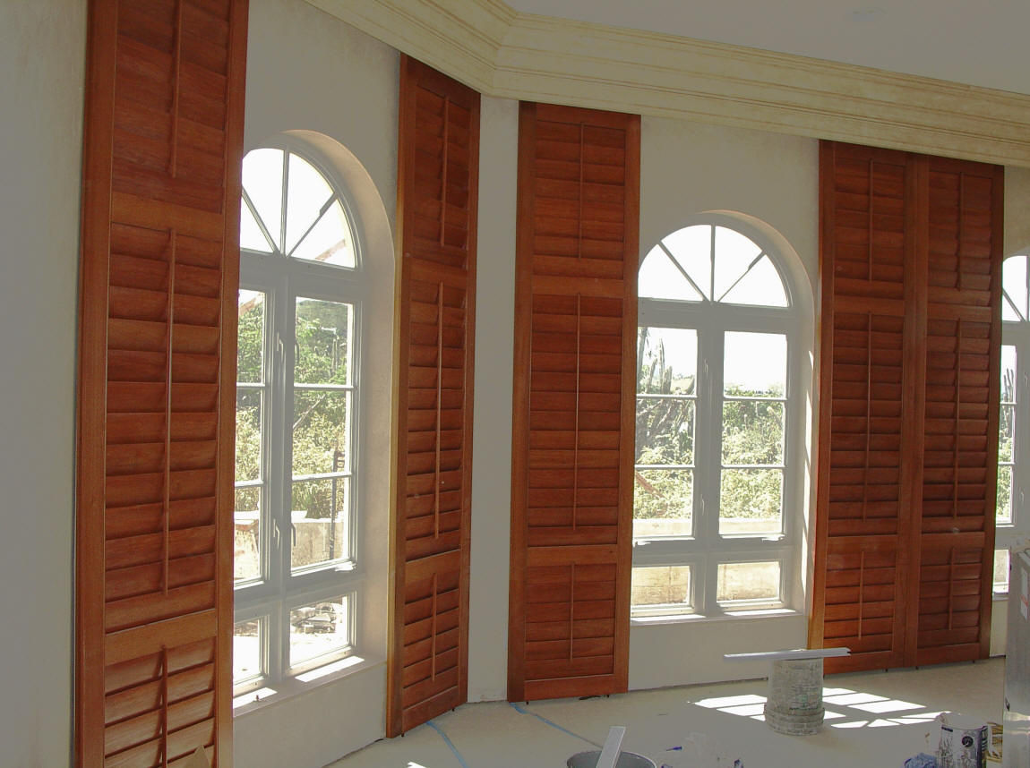 2 faux wood blinds and plantation shutters in virginia for Timber shutters