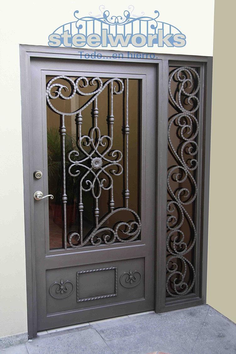 Steelworks honduras hierro forjado tegucigalpa herreria for Modelos de puertas de hierro con vidrio