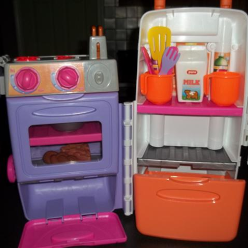 Kidsheaveninlisle playskool for Playskool kitchen set