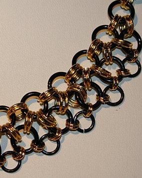 L'Or noire - Collier 55$
