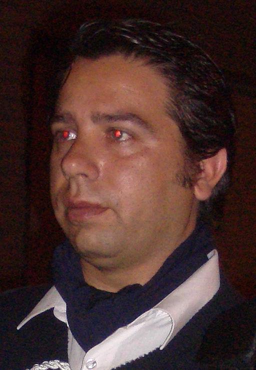 Secretario y músico: Juan R.