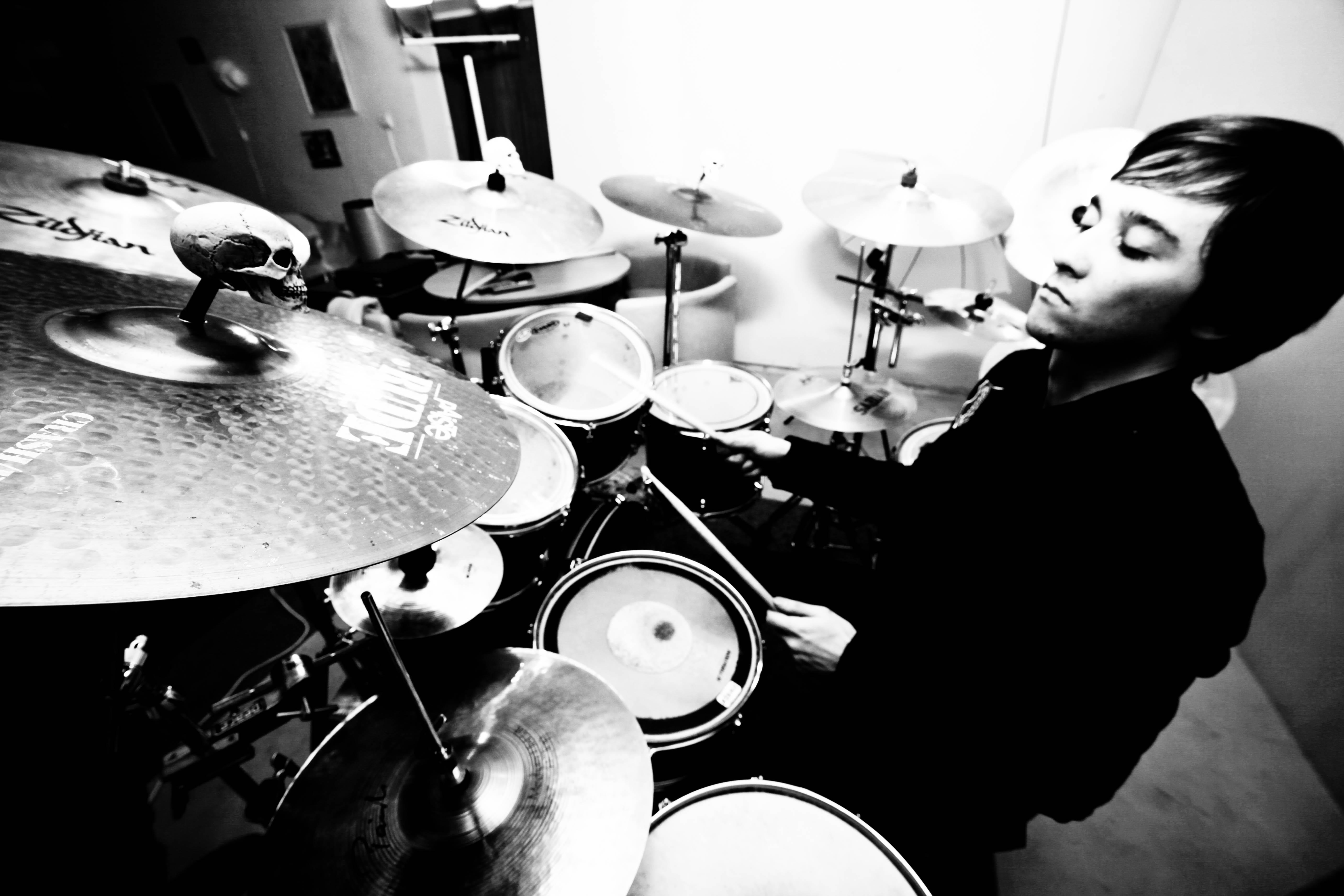 Как научиться играть на барабанах с нуля в домашних условиях 13