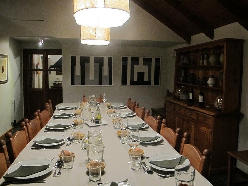 La casona en catedral bariloche comedor for Comedor de 4 personas