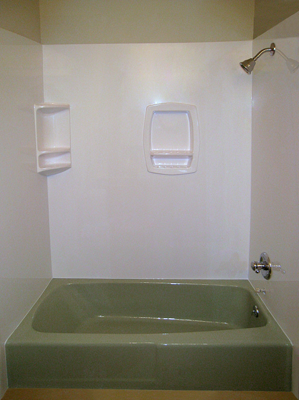 Bathfusions.com/ Chicago bathroom remodeling | 4_green-tub-surround-panels  15