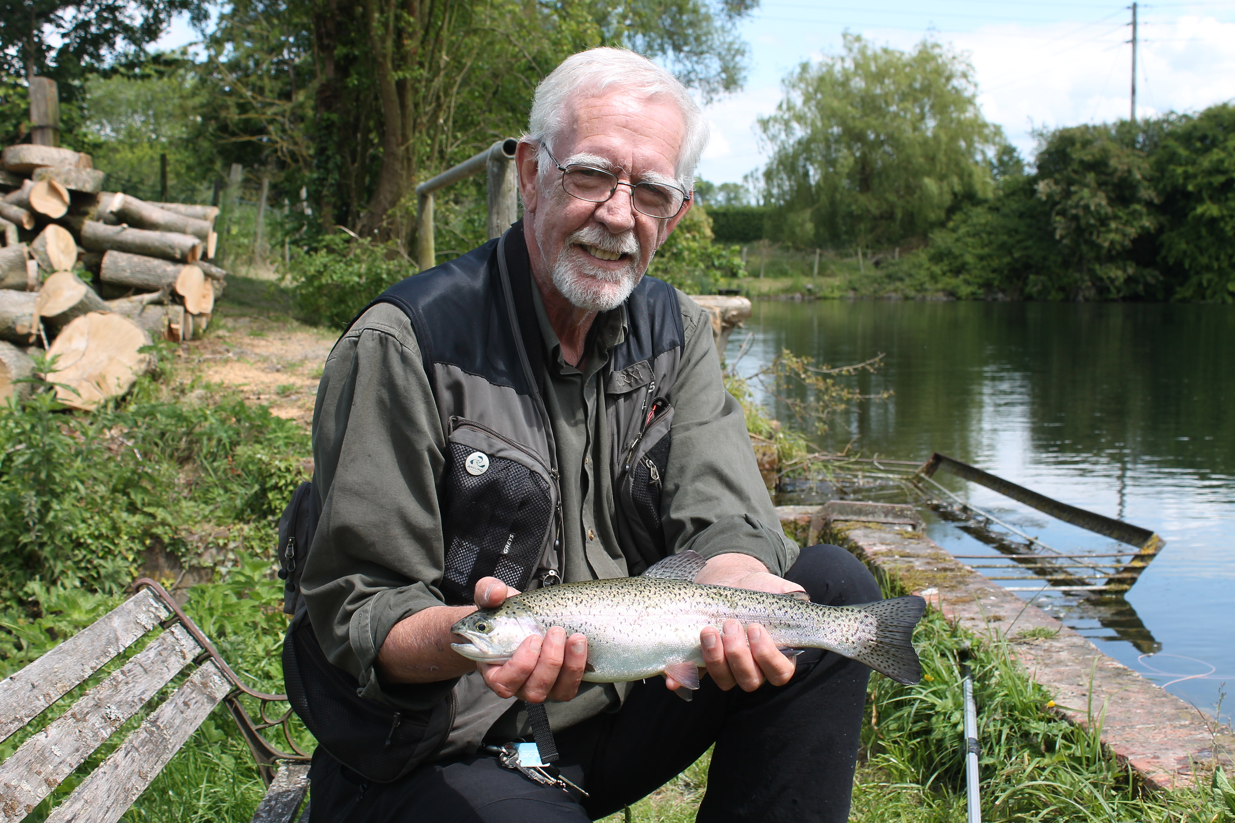 Fishing london fishing guides coaches fisheries for Stocked trout fishing