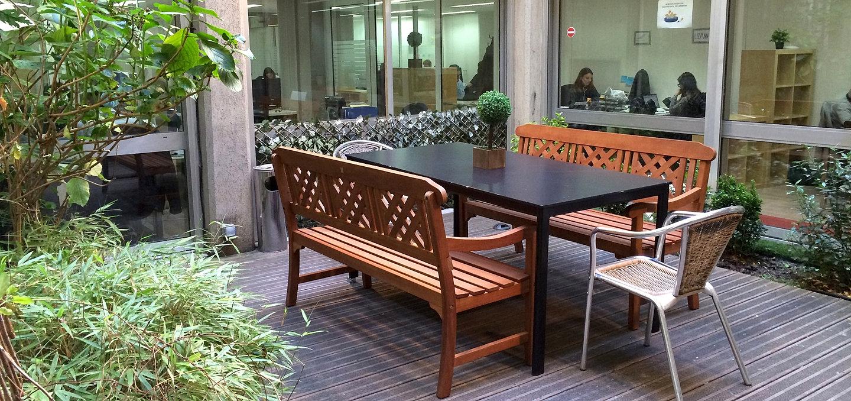 work in paris coworking convivial flexible. Black Bedroom Furniture Sets. Home Design Ideas