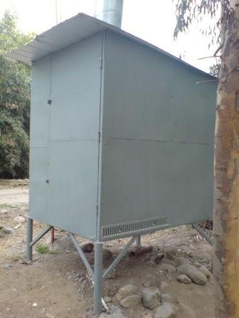 Trabajo vertical torres y mastiles pintura y for Caseta metalica bricomart