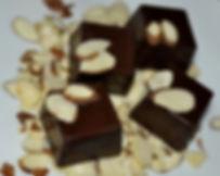 almond chocolate, badaam chocolate, badaam ka halwa chocolate, marzipaan chocolate, indian chocolate, pakistani chocolate, desi chocolate, square chocolate mold, vegan chocolate