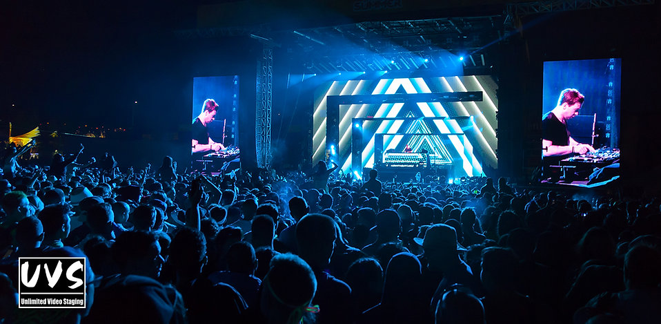 Multi-pitch LED walls @ Chasing Summer