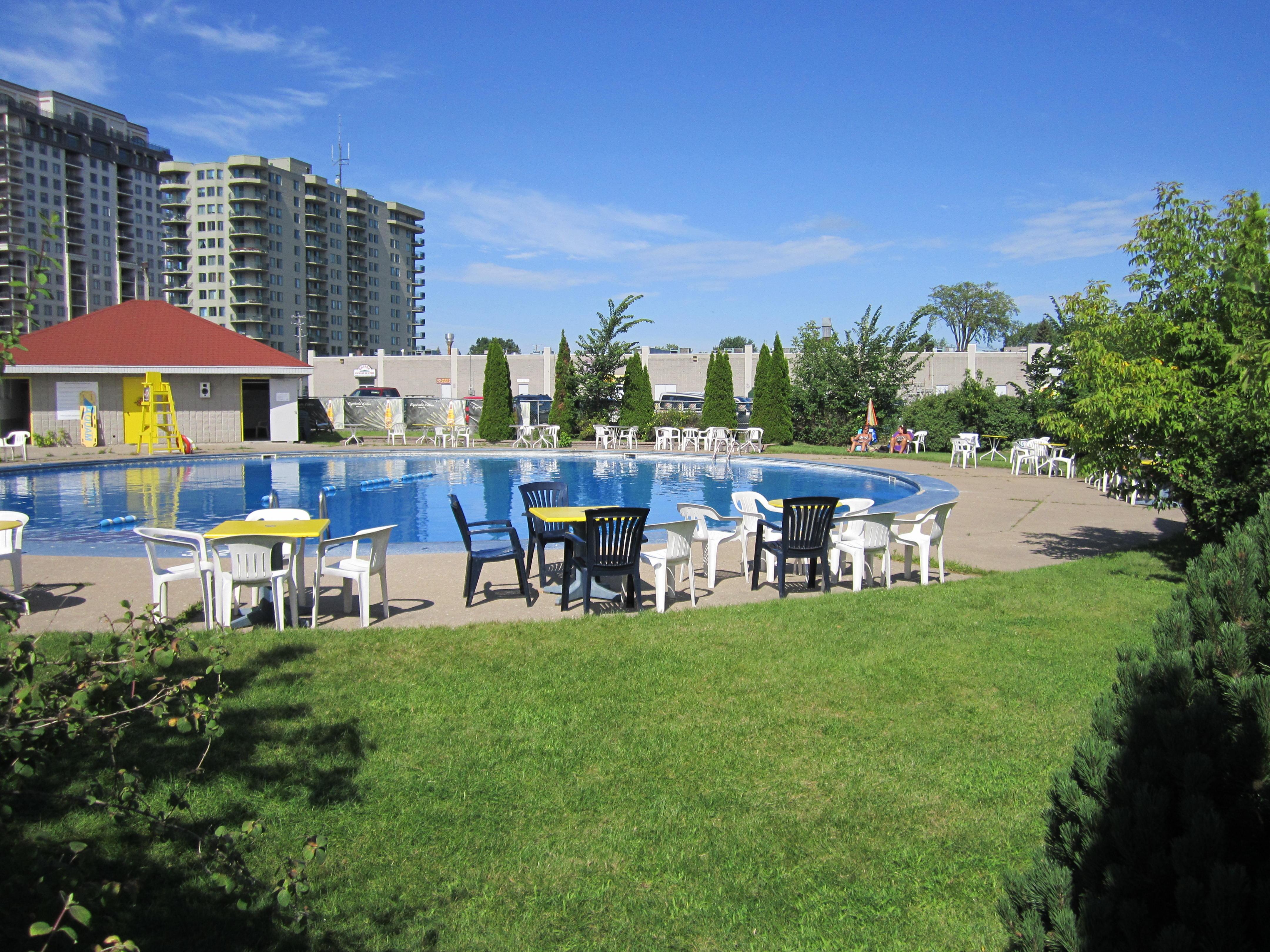 Interdanse la piscine for Ask yourself why la piscine