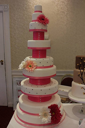 wedding cakes essex